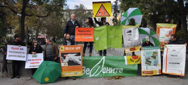 Zelenite during an anti-nuclear demonstration