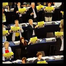 Greens celebrate the defeat of ACTA in the European Parliament