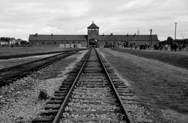 Concentration camps – The Holocaust Explained: Designed for schools